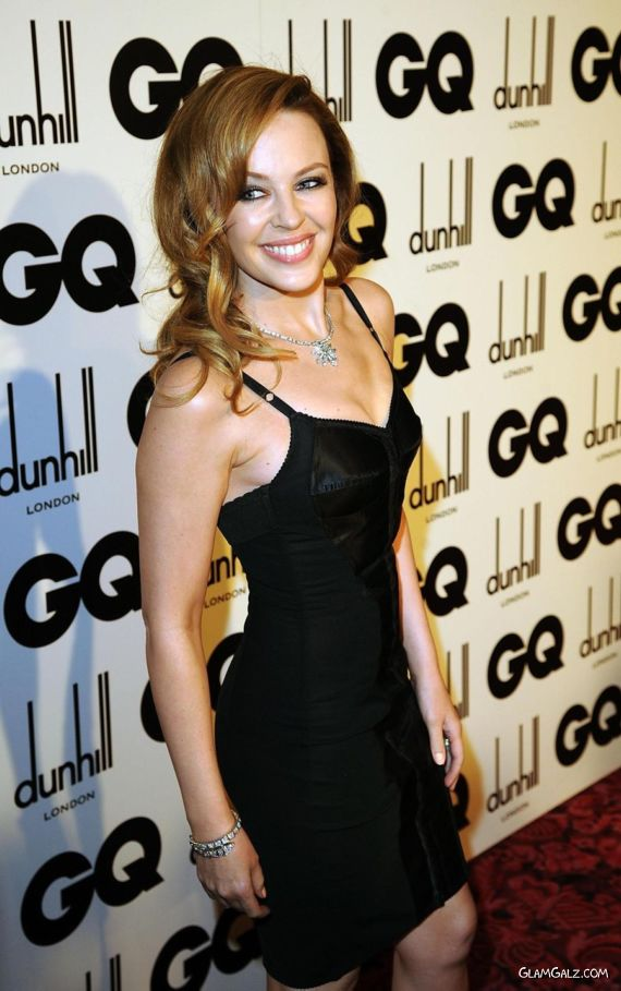 Kylie Minogue Looks Awesome